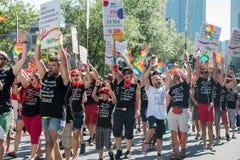 蒙特利尔,加拿大- 2013年8月, 18 -同性恋自豪日游行 库存照片