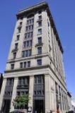 蒙特利尔6月26日:从云香蒙特利尔Notre Dame的保险大厦在加拿大 免版税库存照片