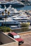 蒙特卡洛YATCH小游艇船坞 免版税库存照片