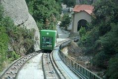 蒙特塞拉特山缆索铁路对圣诞老人Cova 本尼迪克特的修道院圣玛丽亚de蒙特塞拉特,西班牙 库存图片