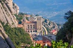 蒙特塞拉特著名修道院的看法在西班牙的卡塔龙尼亚 库存照片