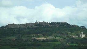 蒙特普齐亚诺,在小山栖息的城市的看法 影视素材