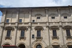 蒙特普齐亚诺,锡耶纳,意大利:历史建筑 免版税库存图片