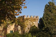 蒙特普齐亚诺- TUSCANY/ITALY, 2016年10月29日:蒙特普齐亚诺在托斯卡纳, Valdichiana老和中世纪镇  库存照片