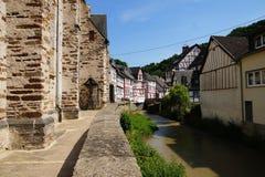 蒙雷阿尔-多数美丽的镇在莱茵河流域巴列丁奈特 库存照片