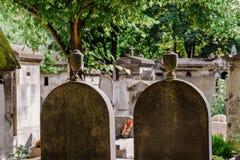 蒙马特公墓墓碑在巴黎 库存照片