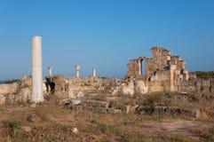 蒜味咸腊肠古老废墟在塞浦路斯 免版税库存照片