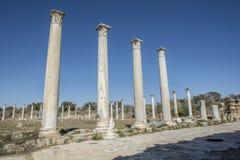 蒜味咸腊肠古老罗马站点在塞浦路斯 免版税库存照片