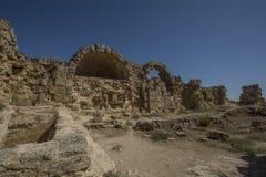 蒜味咸腊肠古老罗马站点在塞浦路斯 免版税库存图片