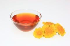 蒲公英糖浆,蒲公英蜂蜜 库存照片