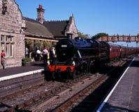 蒸在驻地, Bridgnorth,英国的火车 免版税库存照片