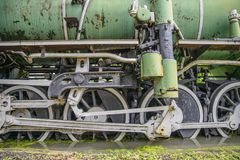 蒸汽火车轮子特写镜头  库存图片