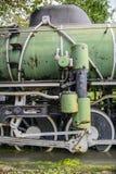 蒸汽火车轮子特写镜头  免版税图库摄影