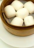 蒸的中国小圆面包 库存图片