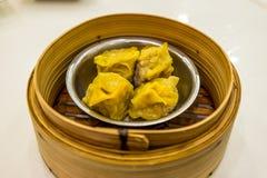 蒸的中国饺子 免版税库存照片