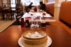 蒸的饺子在中国餐馆 库存照片