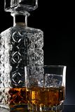 蒸馏瓶玻璃威士忌酒 库存照片