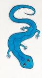蓝墨水图画-在白色背景的蓝色蜥蜴,在部族或当地样式 图库摄影