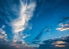 蓝天和白色云彩,蓝天 免版税库存图片