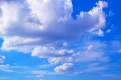 蓝天和白色云彩171019 0206 库存照片