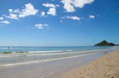 蓝天海滩 库存图片
