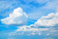 蓝天白色覆盖背景171019 0211 库存照片