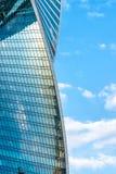 蓝天背景的莫斯科城市摩天大楼 库存照片
