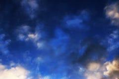 蓝天覆盖墙壁艺术背景绘画,美好的颜色,墙纸 图库摄影