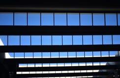 蓝天视图透气室内设计股票照片 库存图片