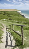 蓝天,台阶向海 库存照片