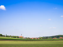 蓝天巴伐利亚 免版税图库摄影