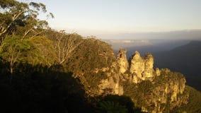 蓝山山脉三姐妹监视新南威尔斯 免版税库存图片