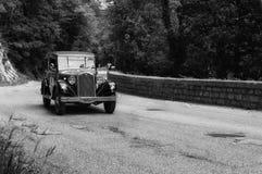 蓝旗亚一辆老赛车的奥古斯塔1934年在集会Mille Miglia 2017 2017年5月19日的著名意大利历史种族1927-1957 库存照片