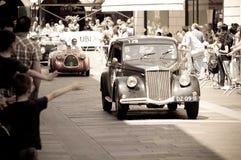 蓝旗亚在Mille Miglia的Aprilia 1350 2016年 免版税库存图片