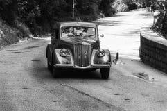 蓝旗亚APRILIA 1500 1949年在集会Mille Miglia 2017的一辆老赛车5月19日的著名意大利历史种族1927-1957 图库摄影