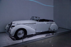 1936年蓝旗亚Astura敞蓬车 免版税图库摄影