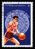 蓝球运动员,致力于第7场美国青年比赛在墨西哥,大约1975年 免版税库存图片