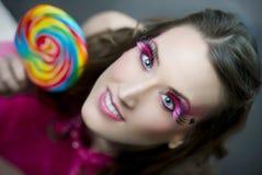 蓝眼睛的女孩迷人景色 免版税库存照片