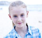 蓝眼睛的女孩 库存照片