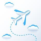 蓝纸传染媒介在云彩的飞行飞机 向量例证
