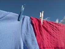 蓝线天空洗涤物 免版税库存图片
