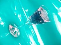 蓝绿色冰酒 库存图片