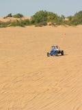 蓝色一点撒哈拉大沙漠sandrail 库存图片