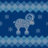 蓝色与绵羊的被编织的背景 库存图片