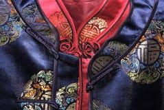 蓝色中国衣领上色红色传统二 库存照片