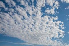 蓝色云彩天空白色 免版税库存照片