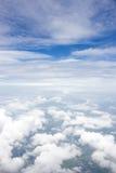 蓝色云彩天空 窗口飞机视图 免版税图库摄影