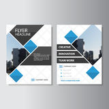 蓝色传染媒介年终报告传单小册子飞行物模板设计,书套布局设计,抽象介绍模板 免版税库存照片