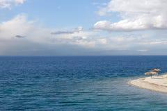 蓝色作希腊节假日夏天 库存图片
