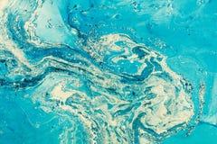 蓝色使有大理石花纹的纹理 与被绘的抽象油的创造性的背景 免版税库存照片